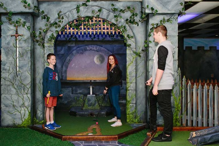 Where to find kid-friendly Mini Golf courses in Melbourne